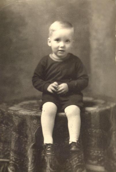Darrell<br /> 1935
