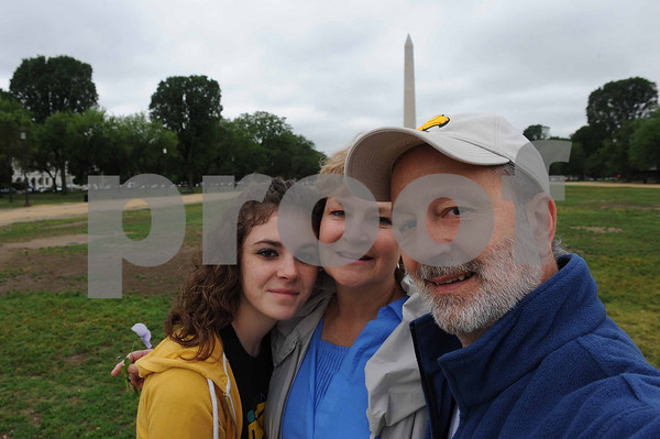 On the Mall, fixin to hit a museum.....if we can remove the Washington Monuement from my head.