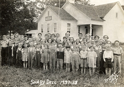 Shady Dell School, Springfield, Missouri, 1937-38. George Junior Wright is circled, front row, on left.