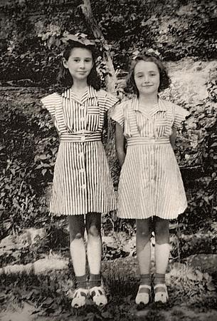 Norma Davenport (left) and her sister Lynn (aka Dora).