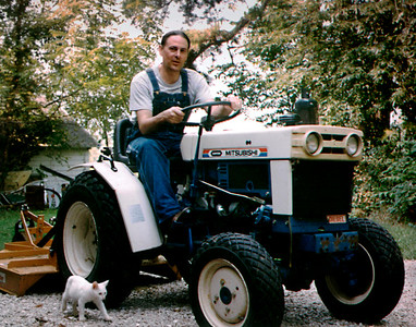 Gary, Itty Bit, and tractor, on West Mount Vernon Street. 1998.