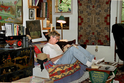 Rita reading at the Rock Eddy Bluff B&B, late summer 2002.