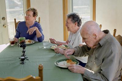 Rita, Lela and Floyd at the table. Thanksgiving 2008 at Cara's.