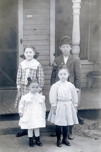 Mary, Roy, Peggy, and Della Mitchen