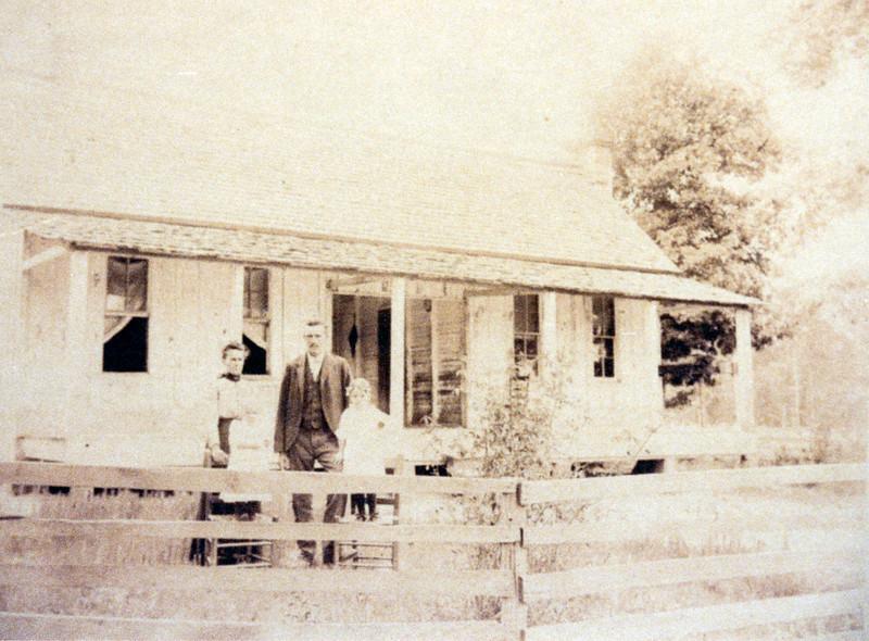 Mitchen Family in Shirley, Arkansas