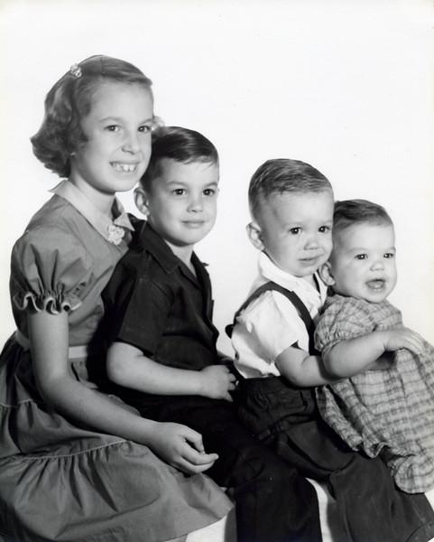 19540000_Diana,James,Richard,Linda Mitchen