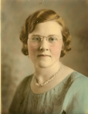 Emma Hughes (Suggs)