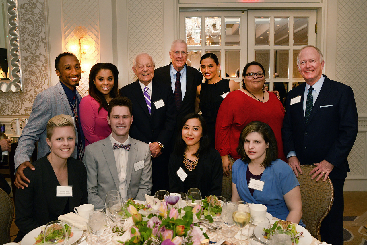 Our emcee, Bill Griffeth, with Boston-area journalism students at the table he sponsored, along with honorees Bob Schieffer and David Hartman.