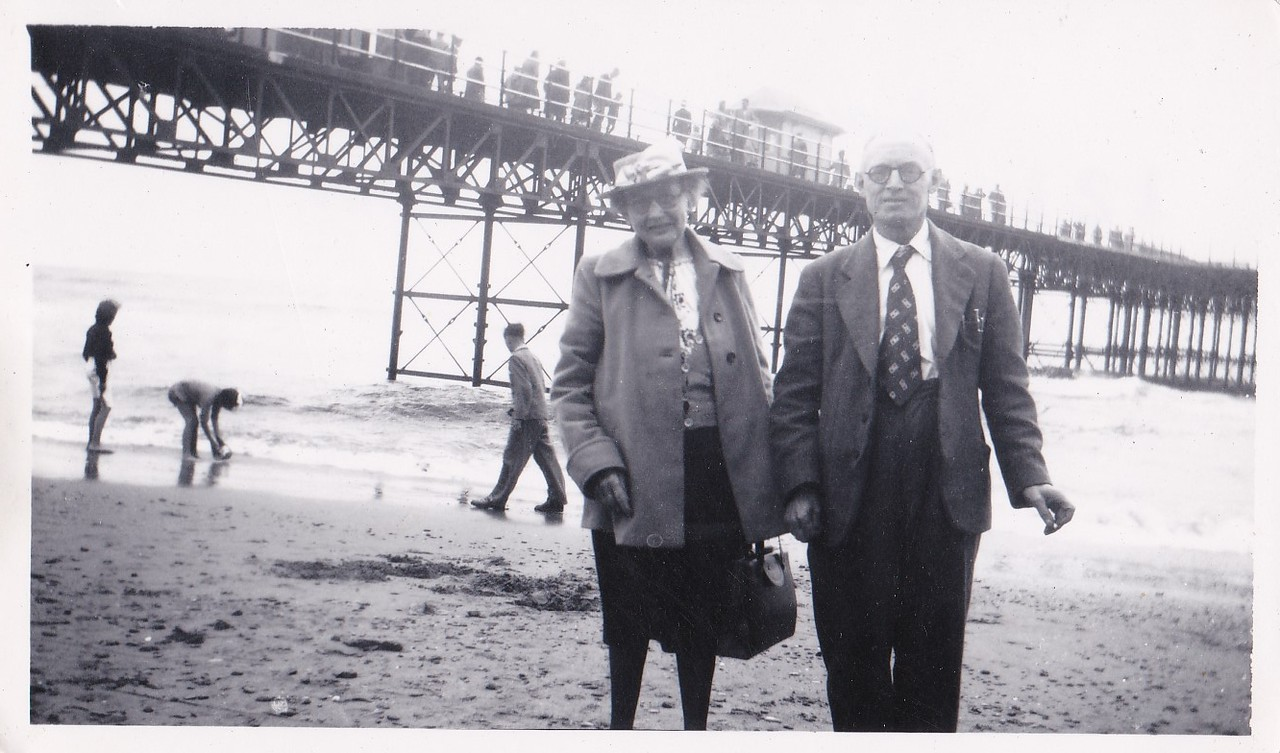 Isabel Gregg Hendy and Sidney Godwin Hendy taken in Rhyl.<br /> August, 1950