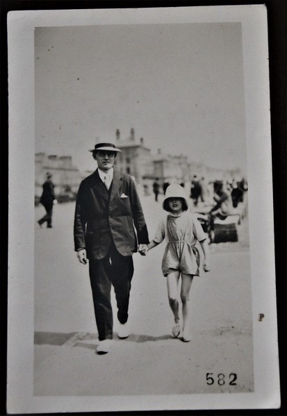 Sidney Godwin Hendy holding hands with daughter, Margaret Ruth Hendy