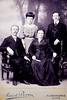 Famiglia Emmanuelle Fontanari.  (L-R) Emmanuelle (pere de Giovanni), Faustina (soeur de Giovanni), Francesca (nee Kette, mere de Giovanni), Giovanni Fontanari (pere de Nonna Adele).