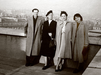 Dad, Lena, Dina and Mady in Paris