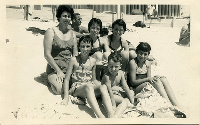 I like this one - taken in January 1963 Back from Left to Right - my mum Moira Bray, my friend Heather Miller, myself Front from Left to Right - my siblings Judith, Lloyd and Garland  Photo stamped on the back - Fred's Photos, Cathay Square, Surfers Paradise  Photo from my mothers collection, Moira Bray