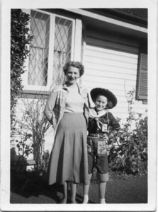 Maddock Descendants Elizabeth Ivy McDougall (Ivy)(1913-) (nee Tolson) and her daughter Kay McDougall (1944-1978) Kay died in Kenya, Africa  Photo from my Grandmother's Collection - May McGilvery