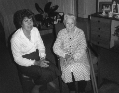 Aggie Tolson (nee Maddock) - 100 years of age  My Mum, Moira Bray (nee McGilvery) with her mother's aunt - Agness Tolson on 15 Sep 1986  Photo taken at Aggies daughter's house at Beaudesert, Queensland.