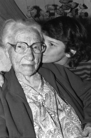 Agness Tolson (nee Maddock) 102 years Taken at Beaudesert 15.09.1988