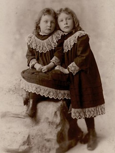 Lottie (1888-1929)  & Emma  (1887-1978) McGilvery - daughters of Thomas & Emma McGilvery (nee Hurlbert).  Both born and died in California, USA.  This photo was given to me by Thomas McGilvery's descendant, Chris Cunningham.
