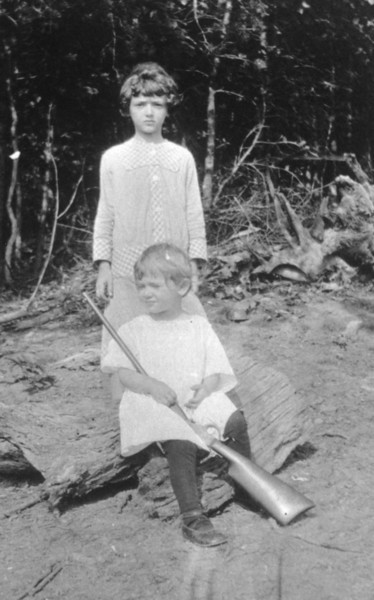 Ruth (with gun) and Lillian Peters