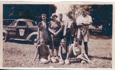 Frank & Evelyn Bray & Family