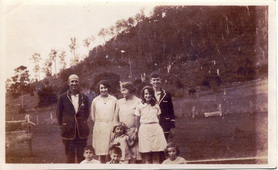 Frank & Evelyn Bray and Family