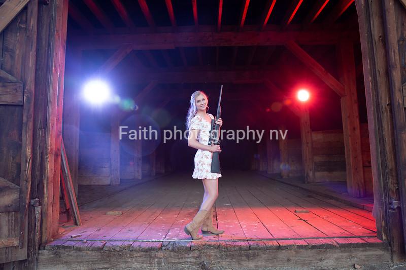 Loren Levy (Stacey) GalenaGrad2021 2020Faithphotographynv 115A5923
