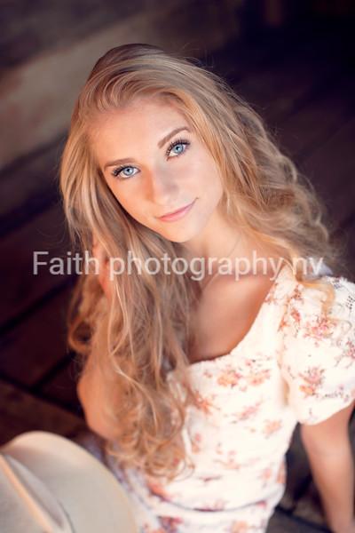 Loren Levy (Stacey) GalenaGrad2021 2020Faithphotographynv 115A5764