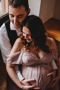 Montreal Maternity Photographer | Maternity Photography + Videography | Montreal Family Lifestyle Photographer | Lindsay Muciy Photography Video |