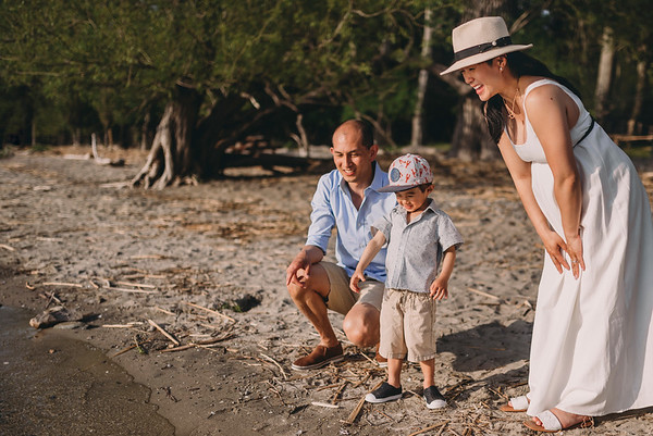 Montreal Family Photographer | Family Photography + Videography | Best Family Wedding Lifestyle Photographer | Montreal | Lindsay Muciy Photography Video | 2020_I+T+T