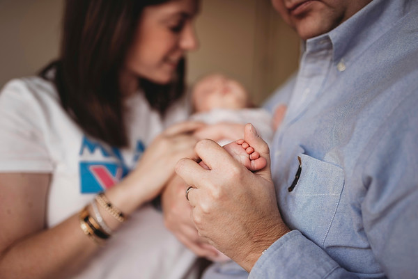 Montreal Family Photographer | Newborn Photography + Videography | Greater Montreal | Lindsay Muciy Photography Video