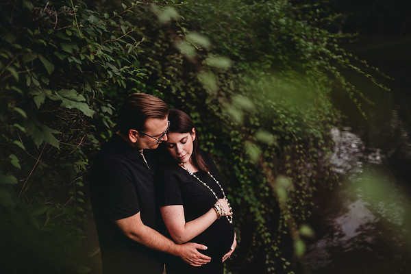 Family Lifestyle Photographer | Maternity Photographer | Westmount Park | Montreal | LMP Photo and Video