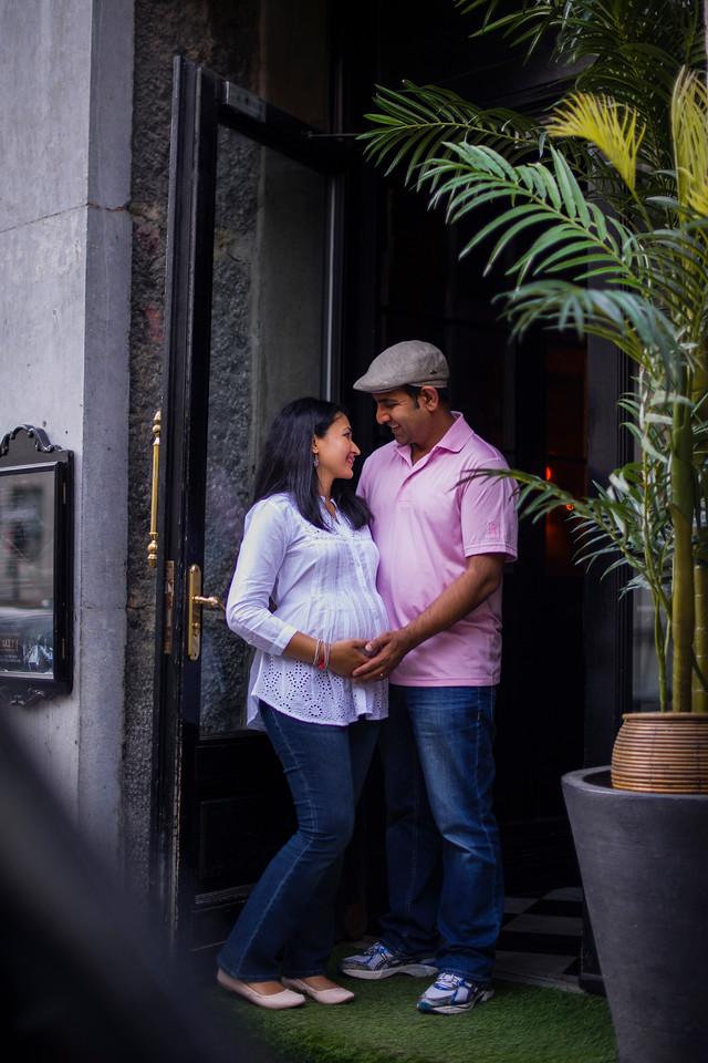 Montreal Family Maternity Photographer Videographer | Vieux Port | Montreal | Lindsay Muciy Photography |