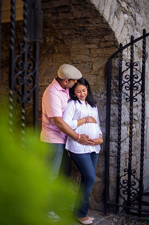 Montreal Family Maternity Photographer Videographer | Vieux Port | Montreal | Lindsay Muciy Photography |