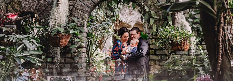 Family Portrait Photographer Montreal | Botanical Gardens | LMP Family Photography and Videography