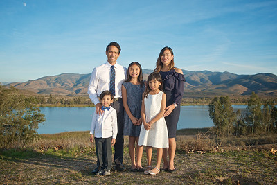 CF Photography Studios_2016 Caramat Family Portraits 0001