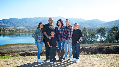 CF Photography Studios_2016 Siababa Family Portraits 0002