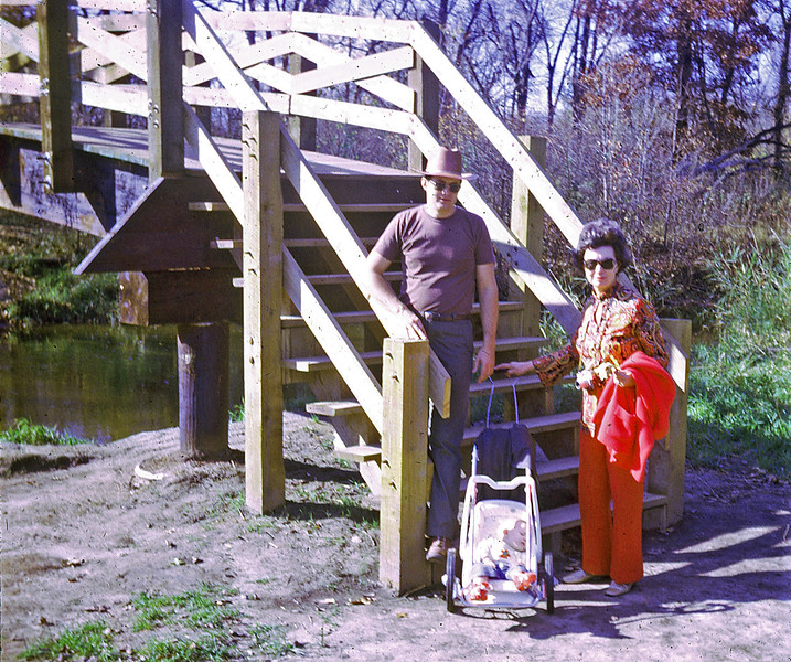 Steve Lucile with Vicki in golf club carrier - Oct 73