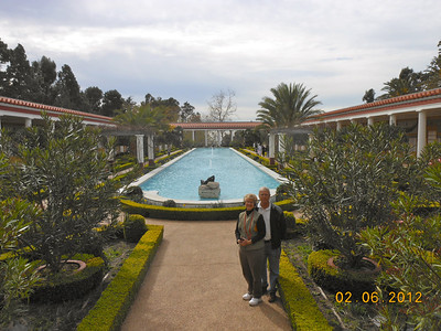Roman style villa and exquisite gardens facing the Pacific Ocean