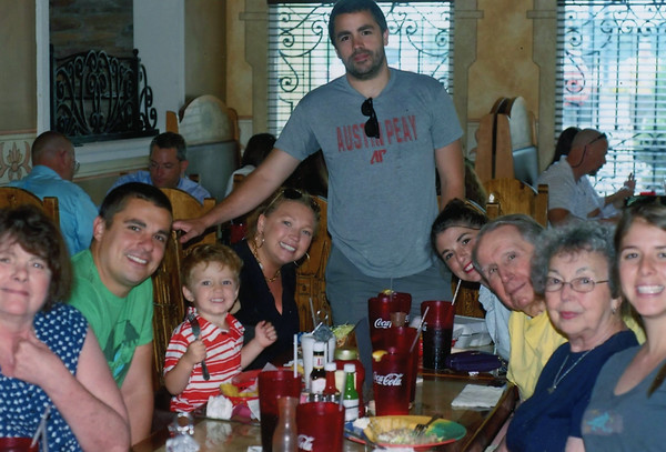Lacey families at Mexican restaurant in Paris TN 2015