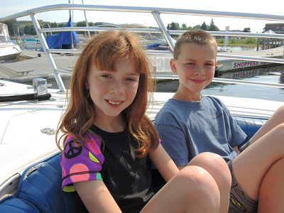 Hunter & Hannah Parasailing 2013-07-05  6