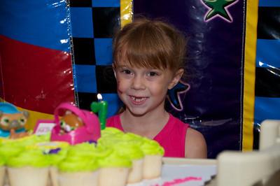 Hannah's Birthday Party   2010-08-22  75