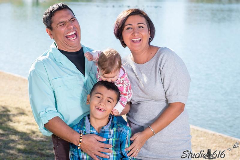 2016-12-04 Mirna-Family - © Studio 616 Photography-3