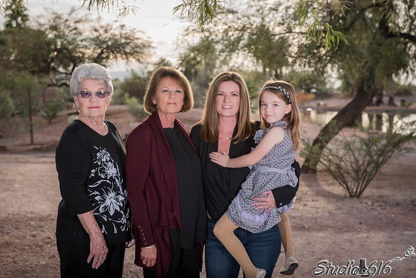 2016-12-05 Jill-Family - © Studio 616 Photography-1