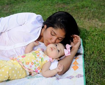 Ashley&Katalina-102012-057