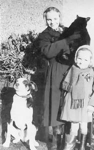 Jenny & Elizabeth at Bills Christening