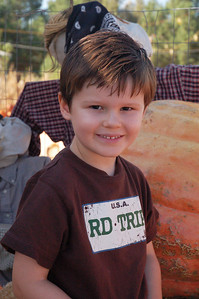 We ran into Wolfi, Ainsley's friend from her class at Desert Sun, on our way into the pumpkin patch.