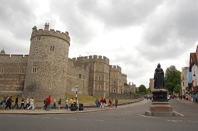 Windsor Castle!  We hadn't planned to stop here, but we needed to stop somewhere for lunch on our drive to Bristol after Drew picked me up at the airport.
