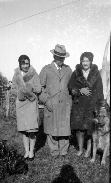 "The lady on the left ""could"" be Catherine Lyne, as she shows up in a number of pictures. Mom had told me that Catherine was a friend, though somewhat older than her. Just a guess unless someone knows better. W.C. and Bridget and Old Blue."