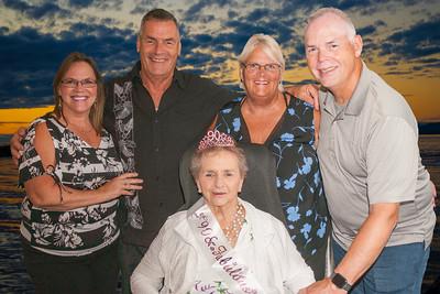 2021-FM1711-Mom's Birthday Mom with 4 kids