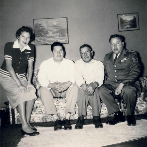 Marilyn family 1950s0007