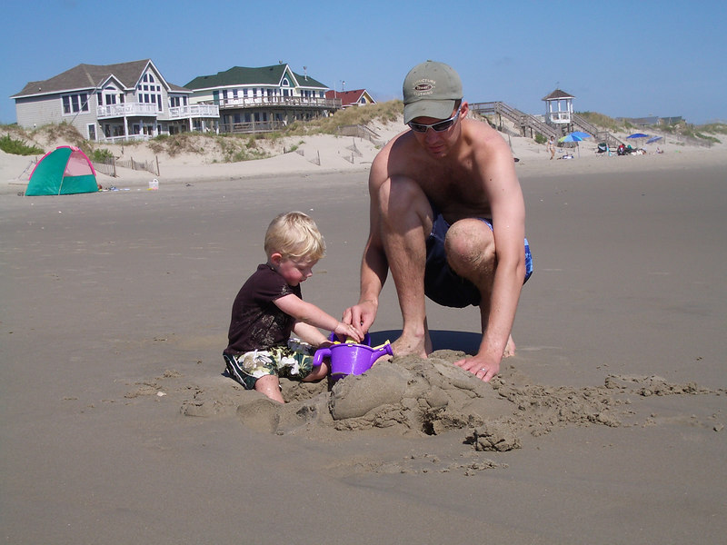 OBX 2006 Jack and Daddy in Sand